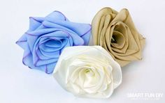How to Make a Ribbon Rose - Hydrangea Hippo by Jennifer Priest Ribbon Rosettes, Satin Ribbon Flowers, Fabric Roses, Diy Ribbon, Fabric Ribbon, Ribbon Hair, Velvet Ribbon, Paper Roses, Hair Bows