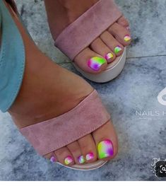 Here are the best Summer Toe Nail Design ideas for you. Keep your style game strong with Toe Nail designs for Summer. Best Summer Nail Art ideas are here. Pretty Toe Nails, Cute Toe Nails, Cute Toes, Glam Nails, Pretty Toes, Gorgeous Nails, Neon Toe Nails, Beautiful Toes, Fancy Nails