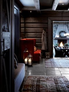 Norwegian wooden house in the mountains and cozy evenings by the fireplace on Christmas Eve. Cabin Homes, Log Homes, Chalet Design, House Design, Interior Exterior, Interior Design, Mountain Cottage, Cabin Interiors, Black Interiors
