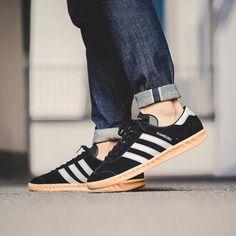 """#Blog #nuevaentrada #AdidasOriginals """"Hamburg"""" #zapatillas #trainers #sneakers #footwear #suede #clasico #iconic #novedad #nuevo #newarrivals #adidashamburg #fw16  http://www.rivendelmadrid.es/blog/2016/08/11/adidas-originals-hamburg-novedades-en-rivendel-madrid-2/"""