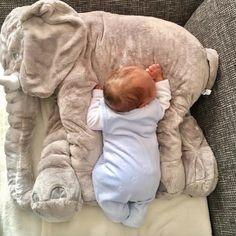 """""""Qué tendrán los martes que hacen que esté tan cansadete?"""" :D  #bebenube #bebé #mamá #canastilla #bebeabordo #comomola #baby #maternidad #babyboy #babygirl #instamami #instababy #bebes #mamaprimeriza #embarazo #dulceespera #embarazofeliz #mamafeliz"""