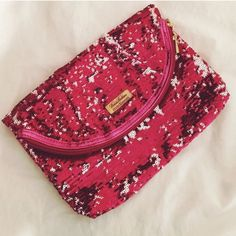 • Brooks Brothers Clutch • •Info This clutch has never been used and is in excellent condition! Selling because I never use it!  •Measurements 9x3x7  ~No trades, 24 hour holds only, no PayPal~ Brooks Brothers Bags Clutches & Wristlets