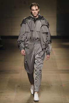 MAN Fall 2017 Menswear Collection Photos - Vogue