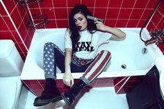 amazing-america-bathroom-boots-clothes-Favim.com-428386.jpg (560×373)