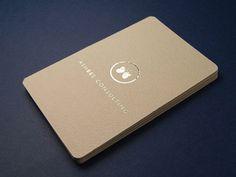 8-elegant-silver-foil-business-card