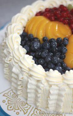 Hedelmätäytekakku - Pullahiiren leivontanurkka Dairy, Cheese, Cake, Desserts, Food, Tailgate Desserts, Deserts, Kuchen, Essen