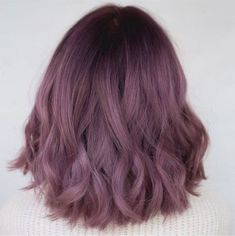 99 Modern Short Ombre Hair Color Ideas Have you ever thought of naturally growing long hair overnight? Might be this is something almost impossible to you, but we can make it possible for y… - HairStyles Pink Shorts, Short Ombre, Purple Ombre Hair Short, Short Wavy, Hair Color Purple, Lilac Color, Purple Rose, Ombre Colour, Lavender Hair