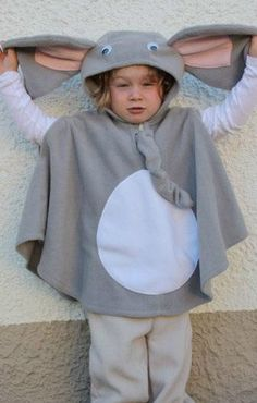 super cuddly fleece cape with hood for children elephant    washable one size    center back length 48 cm - 18,9 inch  wearable from about 86 - 33,9 inch size to about 116 size - 45,7 inch (2 T - 4T or 5T)    sides are still incorporated armholes    shipping time:  germany: 2-3 business days  world: 7 - 10 business days  EU: 2 -5 business days