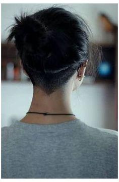 Undercut Hairstyles Women, Undercut Women, Short Hair Undercut, Short Hair Cuts, Nape Undercut Designs, Korean Hairstyles, Easy Hairstyles, Japanese Hairstyles, Office Hairstyles