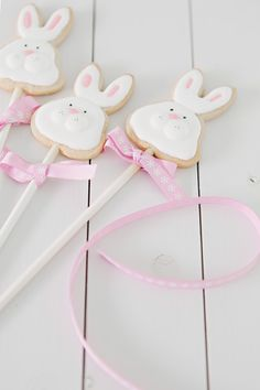 easter cookies for kids. DIY cookies at home. Easter Bunny Cake, Bunny Party, Easter Cupcakes, Easter Cookies, Easter Treats, Easter Party, Cupcake Cookies, Easter Eggs, Easter Biscuits