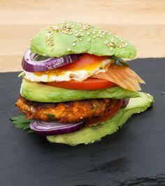 Composer votre hamburger avec les aliments.
