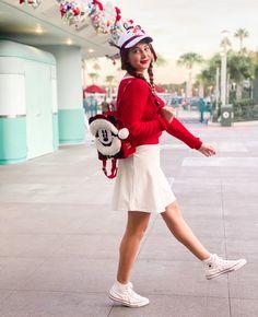 Disney Fashion, Disney Outfits, Snowman Hat, Accesorios Casual, Disney Plus, White Converse, Hollywood Studios, Zara Shoes, Disneybound