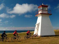 Phare de l'Échouerie, île de la Madeleine, Québec Saint Laurent, Canada, Travel Goals, Wizards, Oh The Places You'll Go, Lighthouse, Highlight, Islands, Road Trip