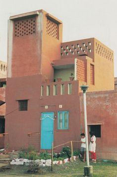 aqqindex:  Balkrishna Doshi, Aranya Low Cost Housing India,...