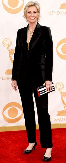 Jane Lynch kept it simple and sophisticated in a black pant suit at the 2013 Emmys.