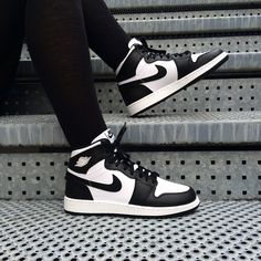 Love these Jordans – Elinor Gary – Join in the world of pin Jordan Shoes Girls, Girls Shoes, Sneakers Fashion, Fashion Shoes, Shoes Sneakers, Zapatillas Nike Jordan, Nike Air Shoes, Baskets, Aesthetic Shoes
