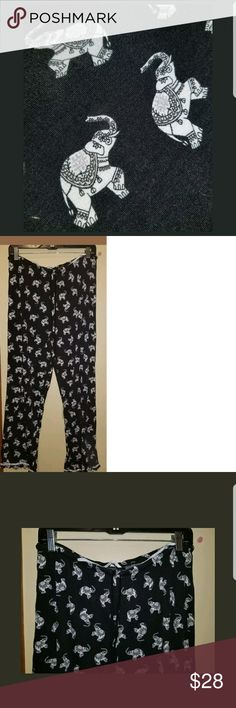 KENSIE ELEPHANT PRINT WOMENS PAJAMA PANT/LOUNGE XL Size XL COLOR: BLACK /WHITE  MEASUREMENTS Waist(unstretched, stretched may add inches)=30 inches Length=38 inches Inseam=27 inches  I ALSO HAVE A PAIR OF SIMILAR KENSIE PAJAMA PANTS IN BLUE WITH ELEPHANTS ON THEM AS WELL, TAKE A PEEK INTO MY CLOSET FOR THEM  **PRE OWNED ITEM IN GOOD USED CONDITION*** Kensie Intimates & Sleepwear Pajamas