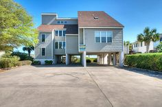 Heniford House is an Oceanfront Beach House Rental in the Ocean Drive Section of North Myrtle Beach, SC. Elliott Beach Rentals has been specializing in professional management of beach homes and condos since 1959.