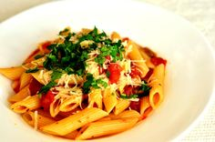 Penne, Spaghetti, Ethnic Recipes, Food, Eten, Meals, Pens, Noodle, Diet