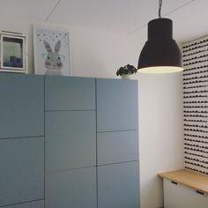 Speelkamer speelruimte speelhoekje speelgoedkast Ikea besta Mr rabbit behang van ferm living