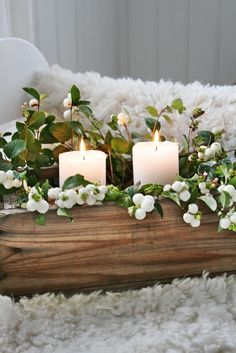 Lantliv i Norregård: Advent (With images) Noel Christmas, Christmas Candles, Simple Christmas, White Christmas, Christmas Decorations, Holiday Decor, Candle Centerpieces, Candle Lanterns, Chandeliers