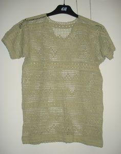 Aangeboden door vintage store Things I like Things I love: lichtgroene, gehaakte trui met korte mouwen, maat S.
