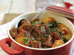 Rindereintopf mit Kartoffeln, Paprika und Tomaten ist ein Rezept mit frischen Zutaten aus der Kategorie Rind. Probieren Sie dieses und weitere Rezepte von EAT SMARTER!