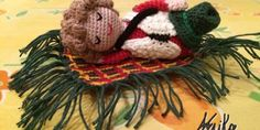Sal presepe 2014: schema Benito - La Torre di Cotone Crochet Dolls, Crochet Hats, Crochet Winter, Crochet Christmas, All Craft, Nursery Rhymes, Reindeer, Crochet Projects, Snowflakes