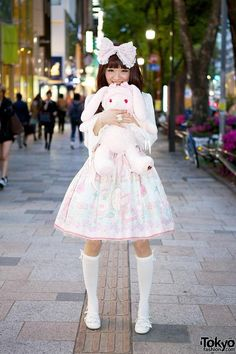 RT @Tokyo Japan Fashion: Anyone can be transformed into a Lolita at Maison de Julietta in Harajuku! Pics & video http://flip.it/HGQ89