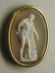 Ercole farnese (The Farnese Hercules), Giovanni Pichler (1734 - 1791), c. 1770 - 90, Italian (Rome). Onyx and gold. Overall- 1 1,8 x 13,16 in. (2.9 x 2.1 cm), The Metropolitan Museum of Art, NY