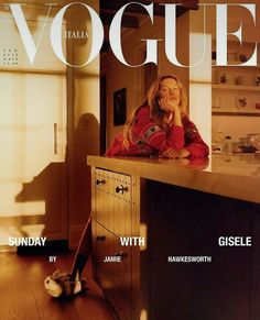 "Piergiorgio Del Moro cast Gisele Bündchen for Vogue Italy's February 2018 cover story, ""Sunday With Gisele!"" Photographs by Jamie Hawkesworth. Vogue Covers, Vogue Magazine Covers, Fashion Magazine Cover, Fashion Cover, Gisele Bundchen, Miranda Kerr, Vogue Brazil, Vogue Russia, Poses"