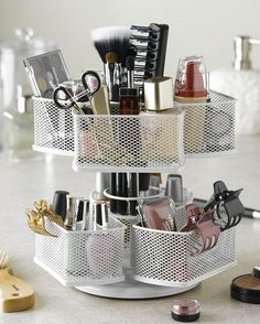 Nice 51 Genius Way To Organize Your Make Up https://modernhousemagz.com/51-genius-way-to-organize-your-make-up/