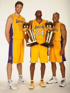 Pau Gasol, Kobe Bryant and and Derek Fisher 2010 after winning back to back championships. Basketball Pictures, Love And Basketball, Basketball Legends, Basketball Players, College Basketball, Sports Teams, Kobe Bryant Family, Kobe Bryant 24, Los Angeles Lakers