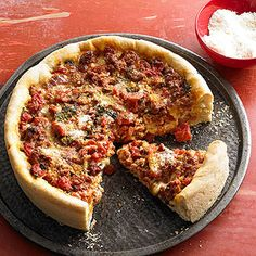 Deep Dish Sausage Pizza - Stuffed to the brim with Italian sausage, tomatoes, and three melty cheeses, these springform slices reign supreme. Pizza Recipes, Cooking Recipes, Dinner Recipes, Pizza Style, Good Pizza, Pizza Pizza, Pizza Dough, Pizza Party, Fancy Pizza