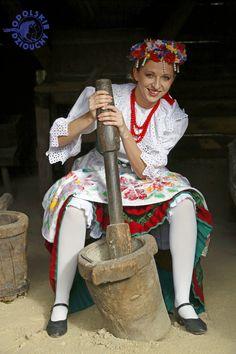 #strójludowy #folk #ludowy #śląsk #silesia #opole #opolskie #polska #poland #polishgirl #dziewczyna #femme #beauty #skansen #wood