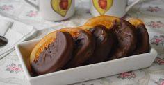 No podrás evitar la tentación que son estas naranjas con chocolate que nos enseñan a preparar con todo detalle desde el blog EL RECETARIO DE LADY HALCÓN. Sausage, Pudding, Beef, Desserts, Food, Ideas, Chocolate Dipped, Lolly Cake, Cooking Recipes