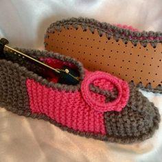 ... Un grand Marché · Chaussons avec semelles en tricot fait main pour femme  ,fille 8dfec64ede7