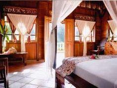 Graha Moding Villas Bali - Guest Room\  ini murah meriah, ada pemandangan lembah/sungainya  tapi kayaknya hotel lama dan kamarnya ukir2an kayu gitu  serem gak yah? Ubud Hotels, Resort Villa, Outdoor Furniture, Outdoor Decor, Bed, Home Decor, Garden Furniture Outlet, Decoration Home, Interior Design