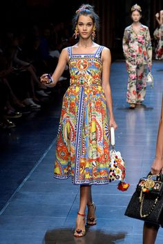Dolce & Gabbana Spring 2016 RTW - Worn by Sienna Miller at the '2016 Cartier Queens Cup Final'