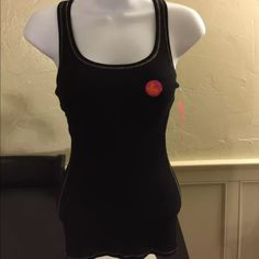 Jenni by Jennifer Moore active Top size S Active Shelf bra Top black color Jenni by jennifer moore Tops
