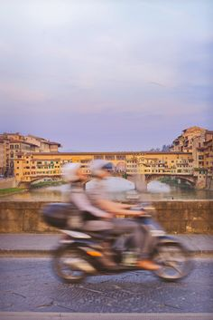 Florence Italy at dusk. One of the best locations to photograph in the city is from one of the many bridges! To see other photography locations take a look here - http://www.thewanderinglens.com/your-guide-to-the-best-photography-locations-in-florence-italy/