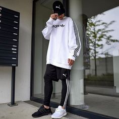 e4af984df1ee Follow me for more pins of street wear Adidas Fashion