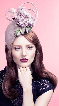 Un sombrero para mujeres románticas. http://cambiardeimagen.wordpress.com/2014/06/20/estilo-y-protocolo-en-la-mas-famosa-carrera-de-caballos-de-europa/