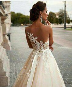 Love triste wedding dress..!!