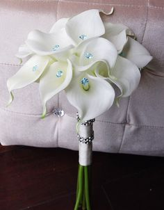 Silk Wedding Bouquet with Calla Lilies Off White by Wedideas