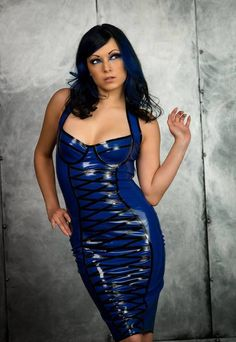 Mehr zum Thema Latex & BDSM erfahren auf http://www.youtube.com/user/boundnhit
