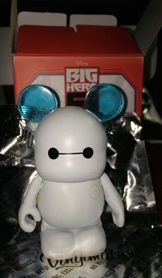Disney Vinylmation Big Hero 6 Baymax Nurse Figure