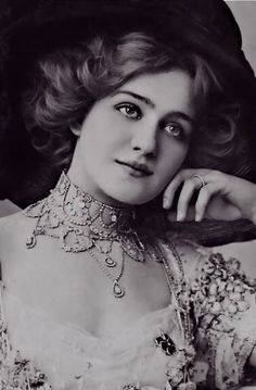 Sanctuaries, Dreams and Shadows: Lily Elsie, le Belle Epoque Beauty in my series Beauties of le Belle Époque Lily Elsie, Edwardian Era, Edwardian Fashion, Vintage Fashion, Edwardian Dress, Victorian Era, Classic Beauty, Timeless Beauty, Classic Girl