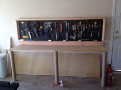 Wall-Mounted Folding Workbench: 6 Steps (with Pictures)