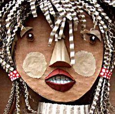 grade Balance- Self Portrait Cardboard Sculpture, Cardboard Crafts, Art Carton, Recycled Art Projects, Collage, Summer Art, Art Plastique, Art Activities, Teaching Art